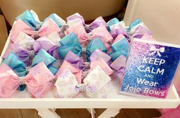 Jojo Siwa Bow Decor