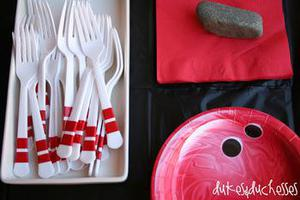 Bowling Pin Forks & Top Bowling Party Decorations Kids Will Love